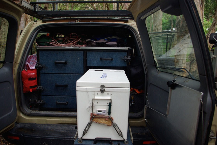landcruiser-fridge-setup