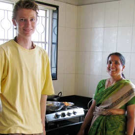 family-home-dining-india