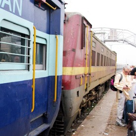 indian-train-station