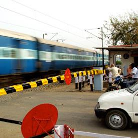 blue-train-crossing-india1