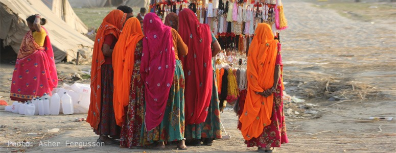 woman-traveling-in-india