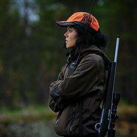 Elk hunter female